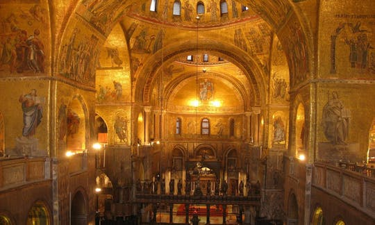 inside-venice-doge-s-palace-and-saint-mark-s-basilica-tour_header-13709