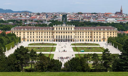 schonbrunn-palace-ticket-and-tour-with-audioguide_header-9838