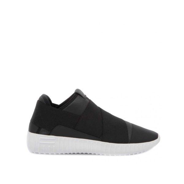 sneakers-dinghy-wrong-black-skin